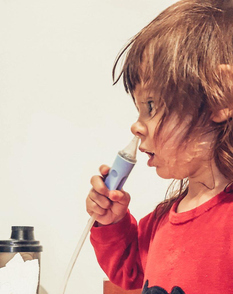 Remoção das amígdalas e adenoides - aspirador nasal